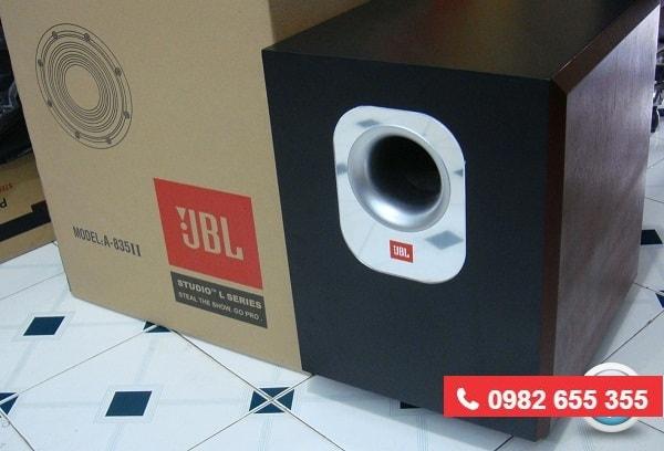 LOA SUB JBL 835 II thiết kế sang trọng